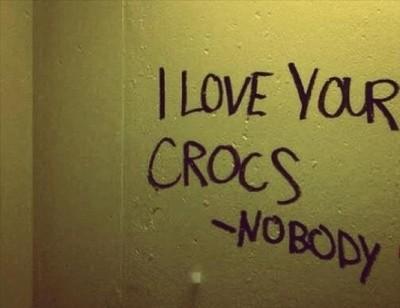 bathroom graffiti i love your crocs